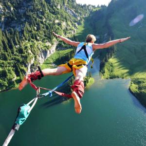 il bungee jumping e l'urlo liberatorio